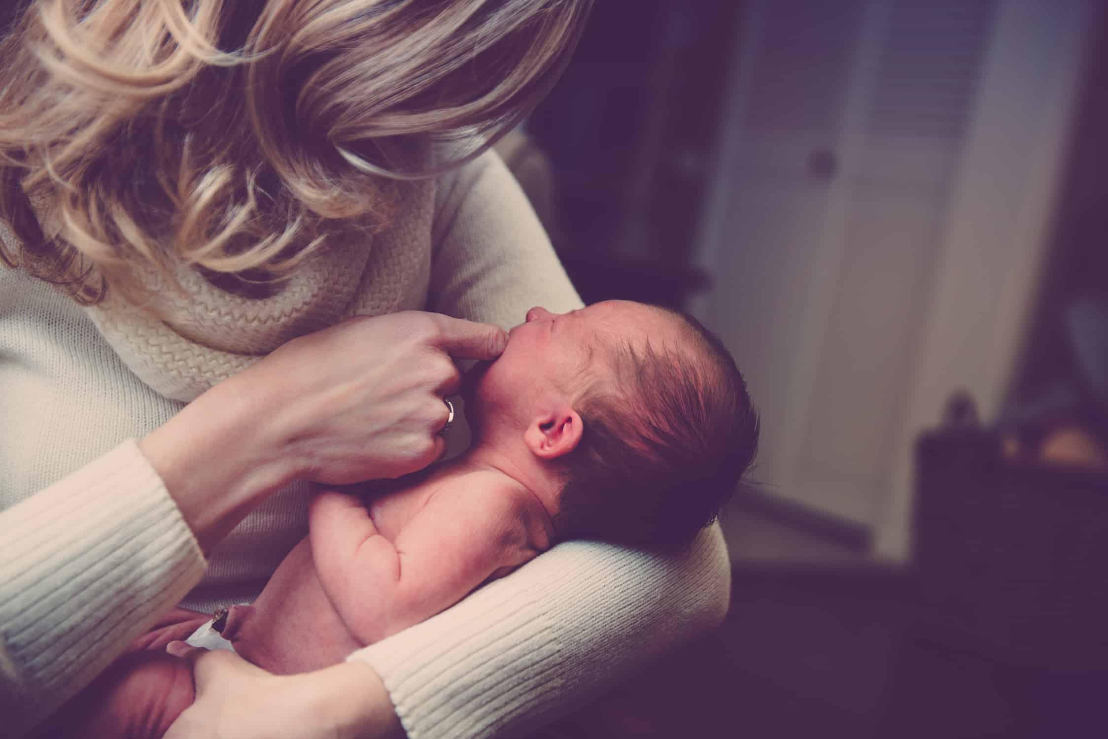 החזר מס ליולדת בעבור תשלום דמי לידה